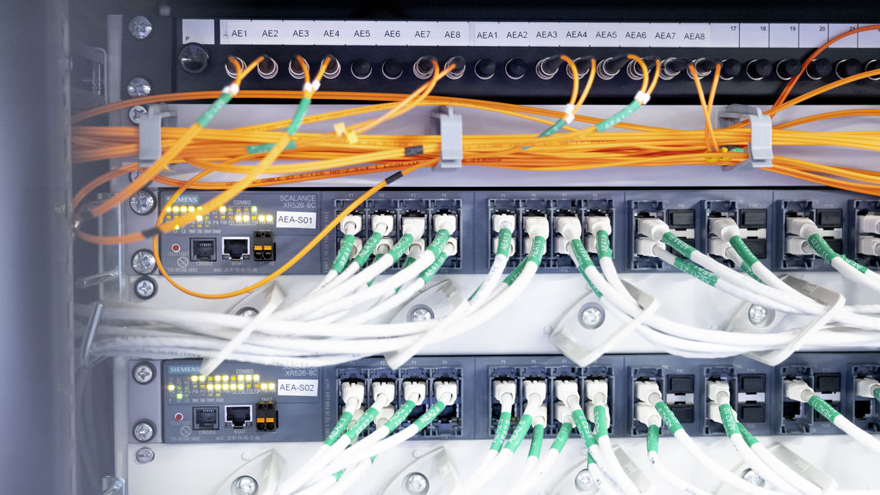 Inside the system: Two of the high-performance Scalance XR-500 switches that form the new network backbone at the Indre Arna facility.