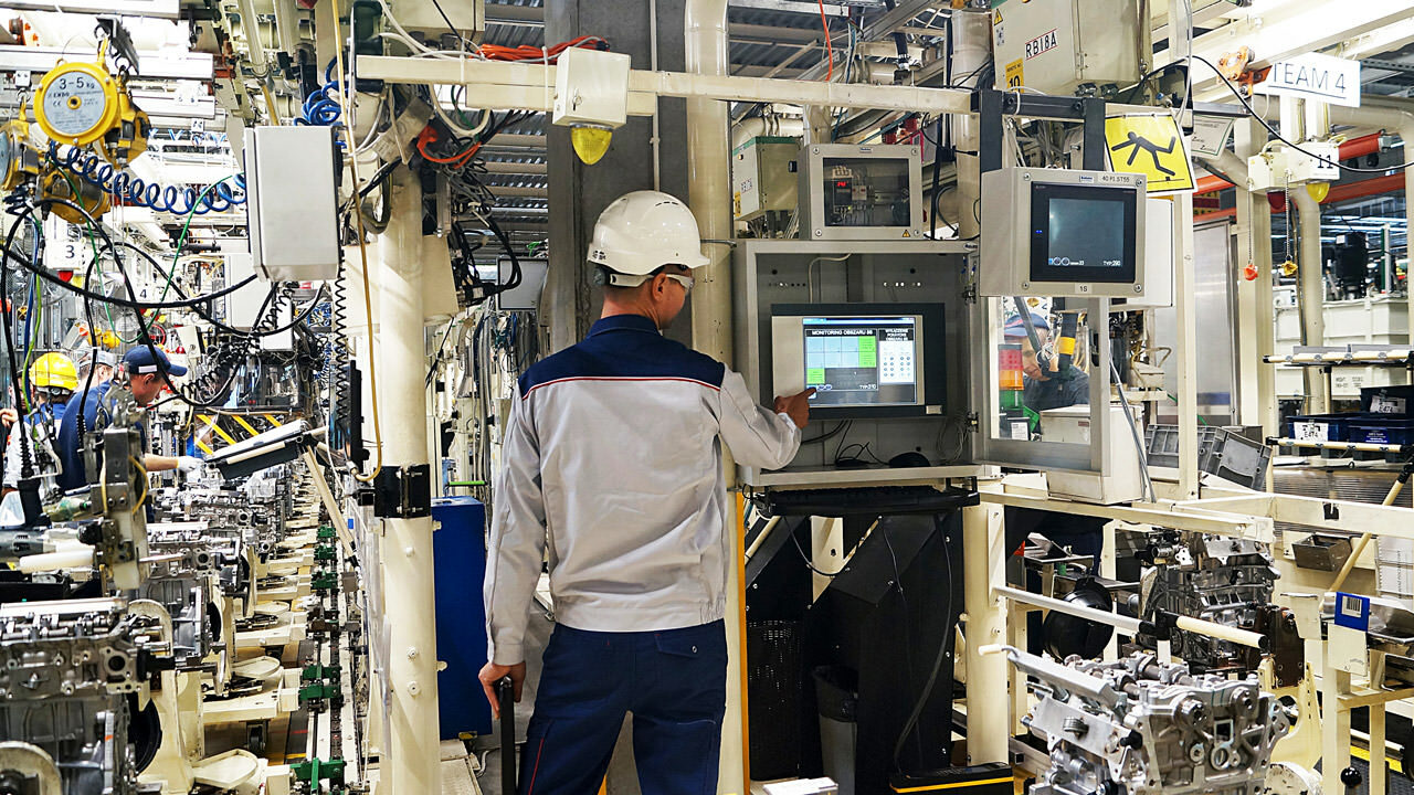 The team at TMMP Wałbrzych was looking to integrate around 2,000 I/O points, connecting numerous devices from different vendors, including 48 Mitsubishi Electric HMIs, and ensure fast data exchange.