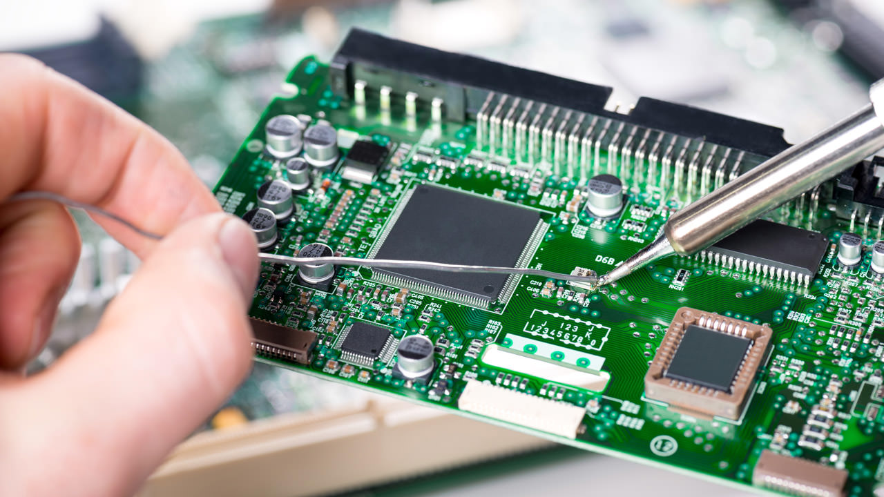 There are numerous development methods that are theoretically available to support businesses during the creation of devices with TSN capabilities. (© istock.com/ krystiannawrocki)